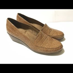 Aerosoles Women's Tan 8.5 Leather Loafers moccasin